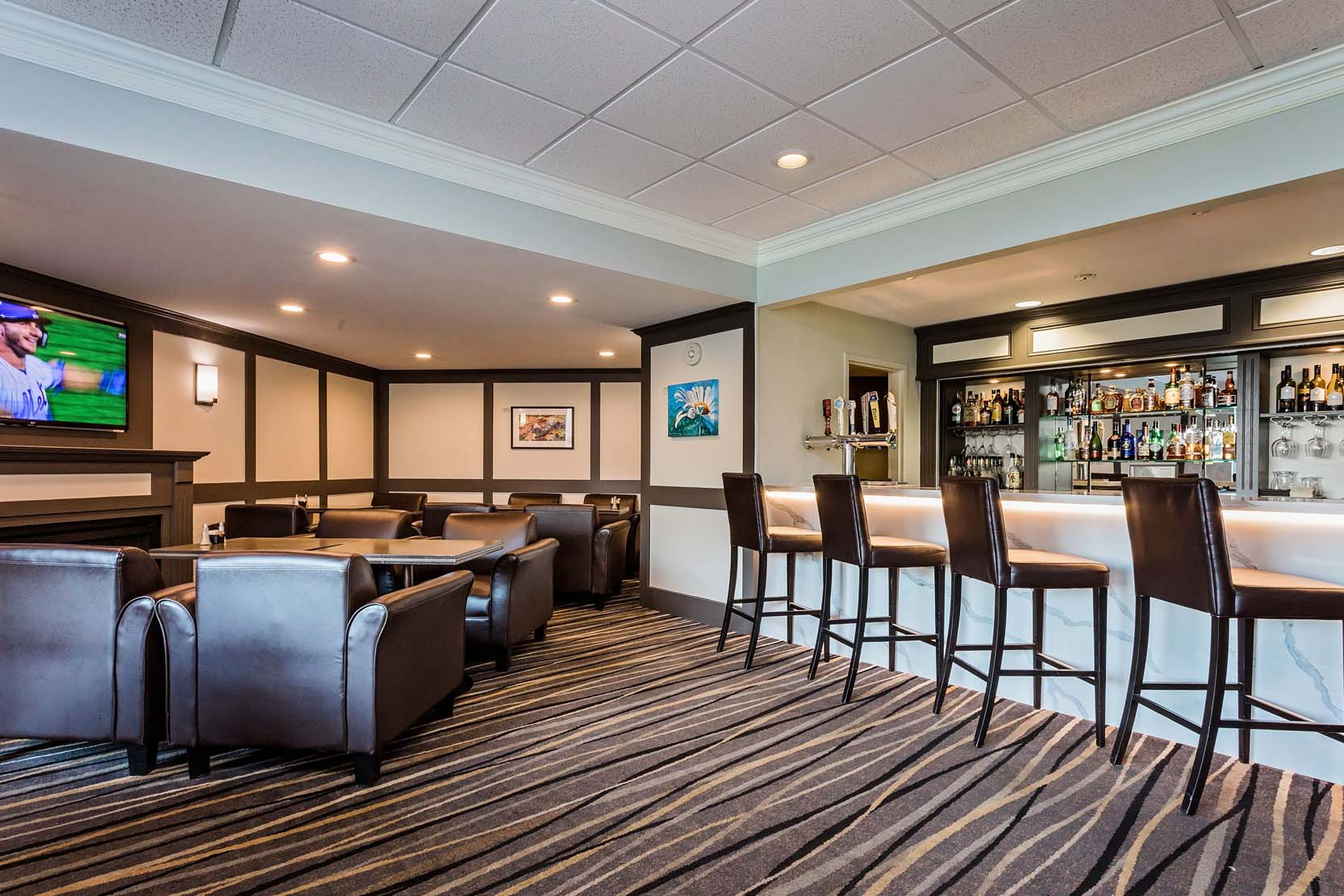Lake View Patio Bar | Owen Sound | Best Western